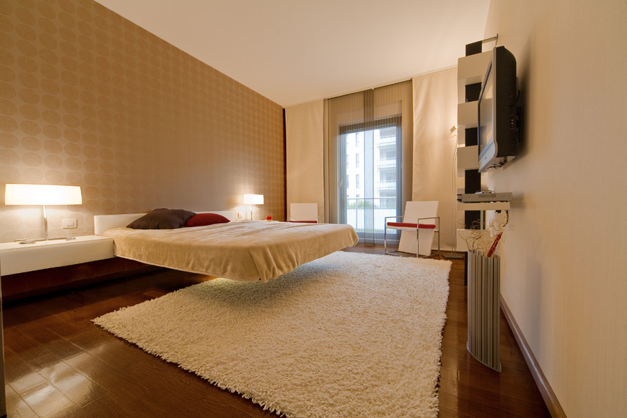 Dormitor cu pat în consolă