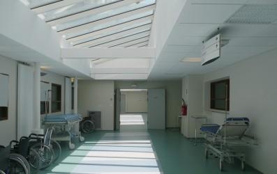 Centru spitalicesc la Pontarlier - hol central